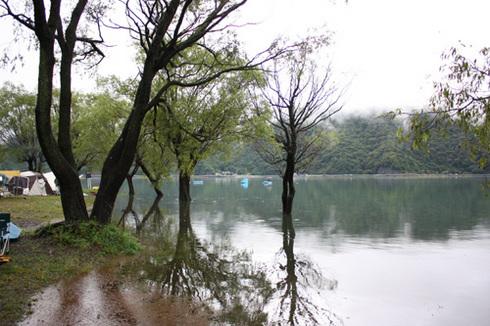 20110923西湖水没キャンプ3.jpg